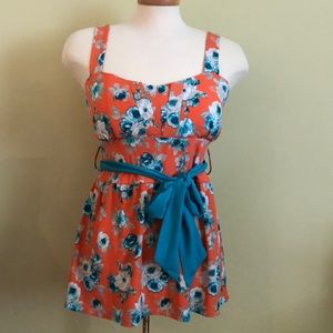 Suzy Shier summer top , size L , new with tags .